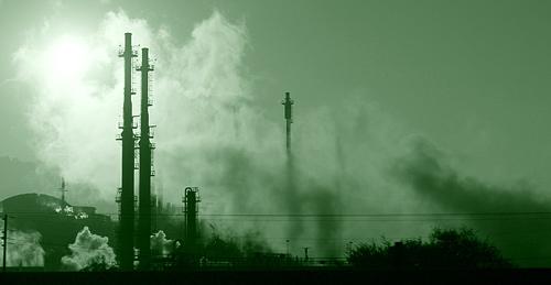 Sundown at an oil refinery in San Pedro (photo by Sean Carpenter)
