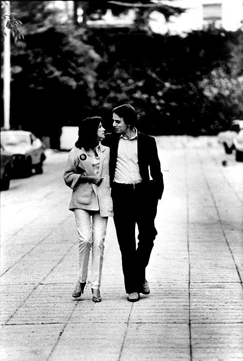 Ann Druyan and Carl Sagan in Hollywood during the filming of Cosmos