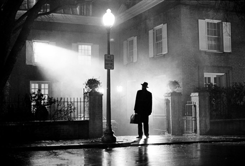 The iconic scene from The Exorcist: Merrin arrives