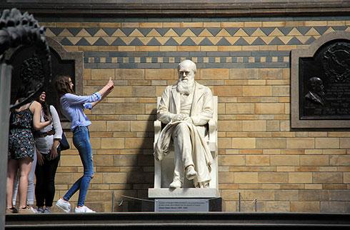 Charles Darwin statue (photo by David Patton)